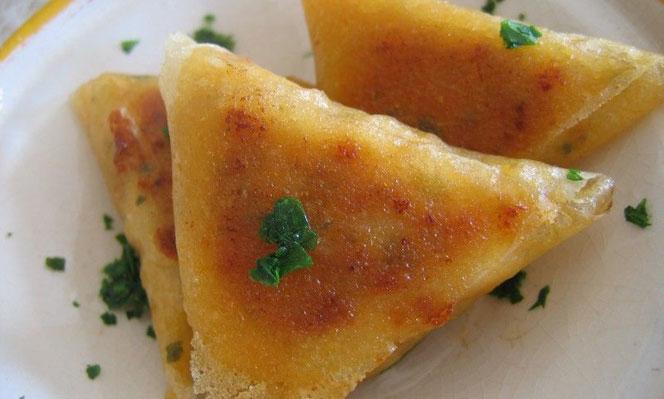 cuisine_menu-ramadan-brik-aux-merguez-chorba-frik-et-poulet-gratine-au-fromage_d