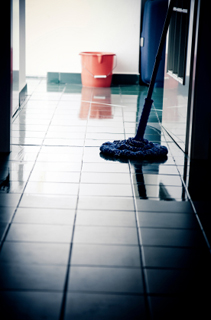 Quelques astuces pour bien entretenir son carrelage for Astuce pour nettoyer les carreaux