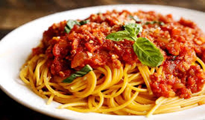 cuisine-spaguettie-bolonaise