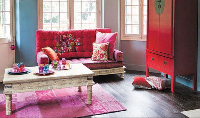 déco-tapis-coloré-fauteuil-rembouré
