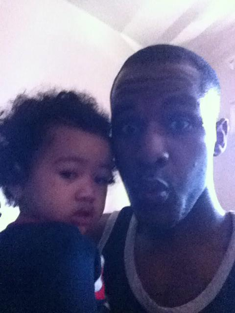 la dernière photo prise de Mia et de son papa vivant... quelques secondes avant le drame