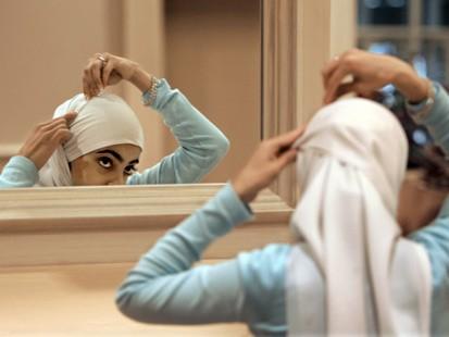 hijab_080225_