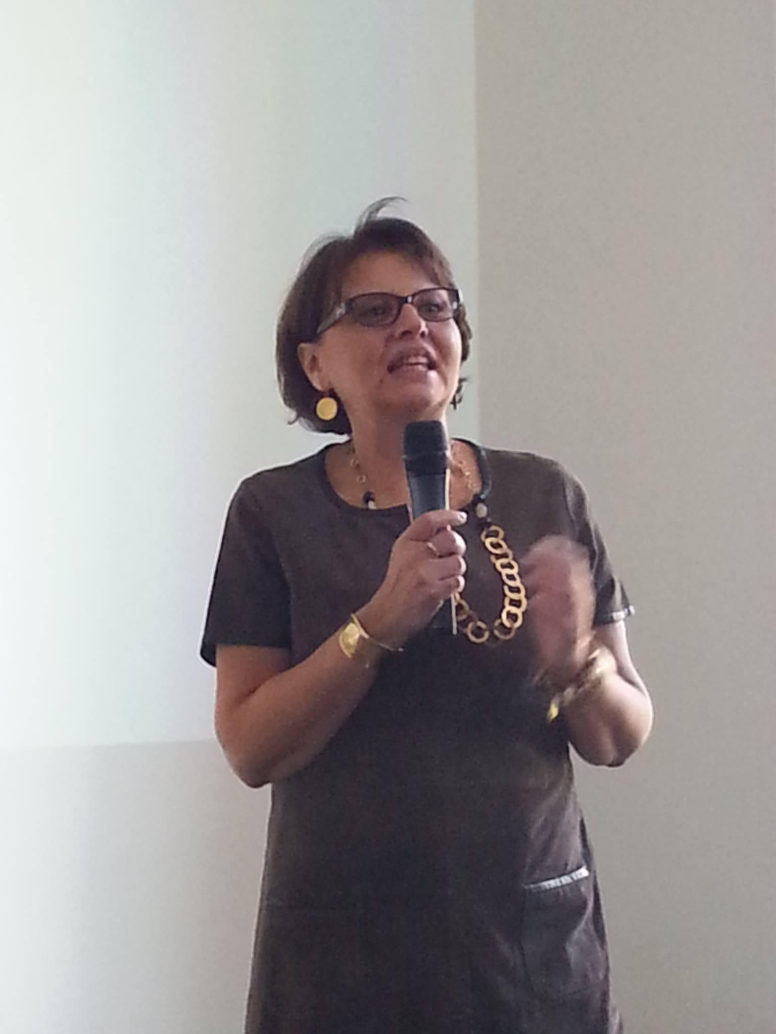 Mme Najla Chaar, directrice de la communication