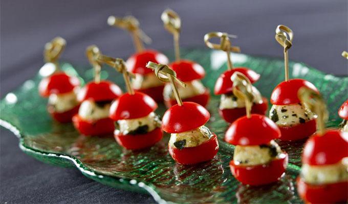 Amuse bouche brochettes de tomate la mozzarella - Amuse gueule rapide ...