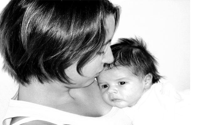 famille-maman-bébé-enfant