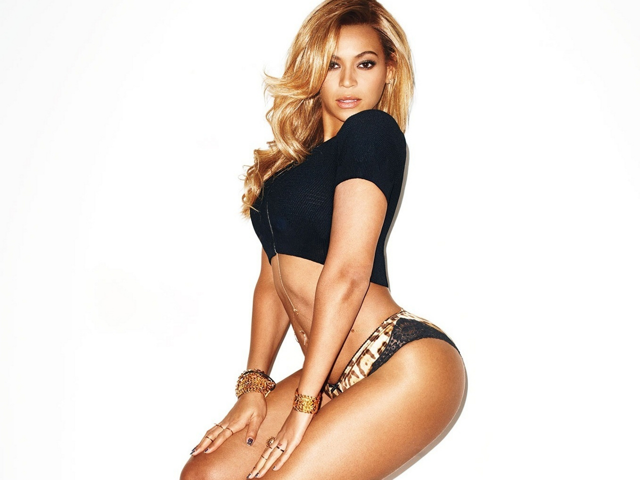 Beyonce-GQ-2013-beyonce-33279195-1280-960