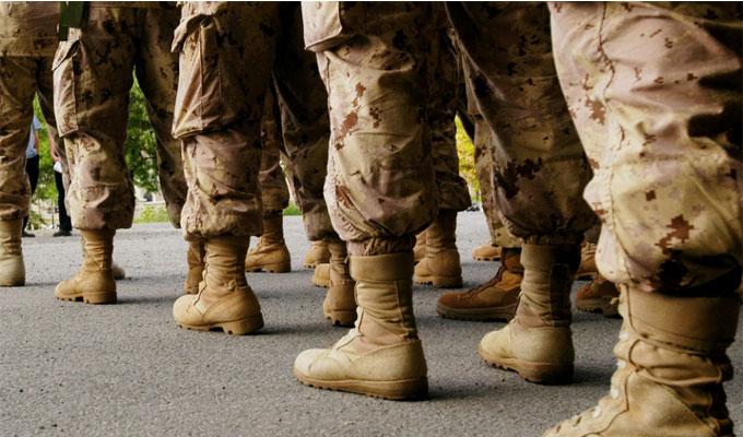 société-femme-militaire