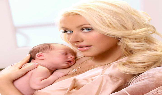 christina-aguilera-bébé