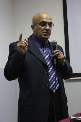 Dr Sabri Zoghlami