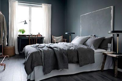 une-tete-de-lit-facon-peinture-abstraite_5194171