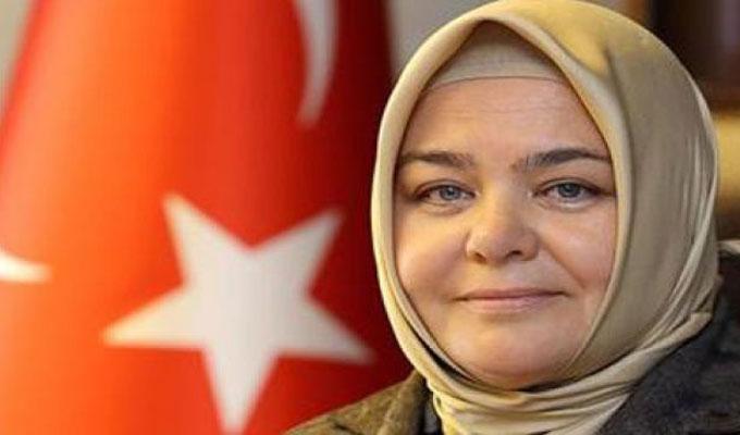 femme-voilée-turquie-ministre