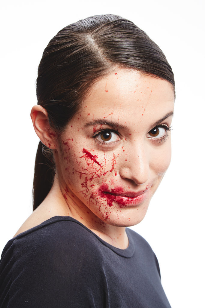 Halloween-Hack-1-How-Make-Fake-Blood (3)