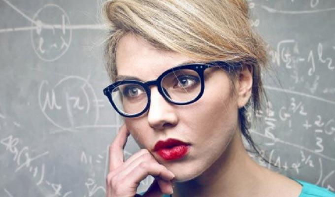 femme-intelligente-baya