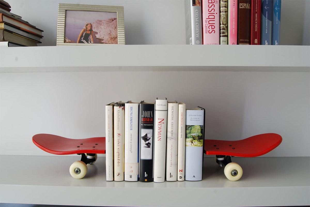 les serre livres outils de rangement mais aussi de d coration. Black Bedroom Furniture Sets. Home Design Ideas